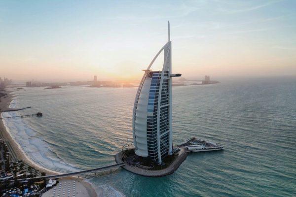 """""""برج العرب جميرا"""" يحصد لقب """"فندق المدينة الأول"""