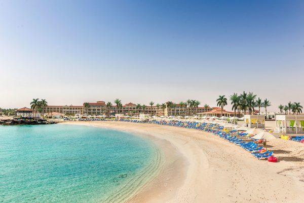 أروع العطلات الصيفية على شاطئ المتوسط بمنتجع ريكسوس العلمين