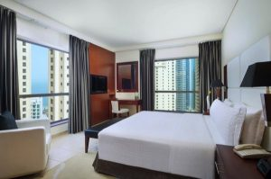 فندق دلتا باي ماريوت شاطئ جميرا يرحب باستقبال الضيوف