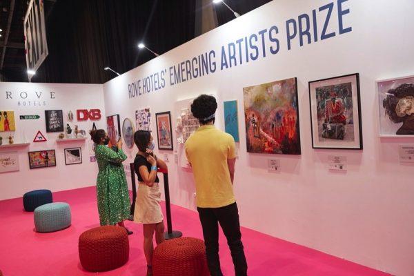 معرض فنون العالم دبي وفنادق روڤ يكشفان عن الاسم الفائز
