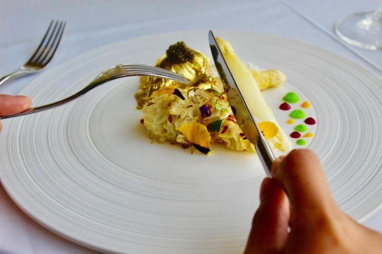 Pier 7 Atelier M Three-course menu gold steak