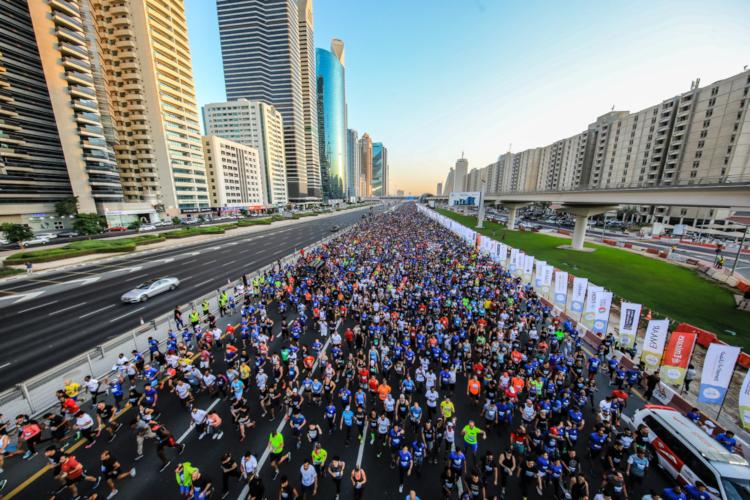 70,000 70000 Dubai Fitness Challenge Sheikh Zayed Road 30x30 UAE residents Downtown