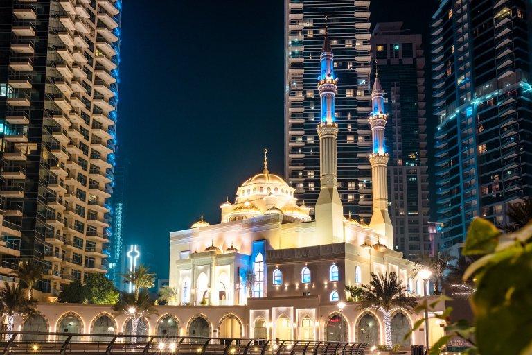 Dubai mosques closed
