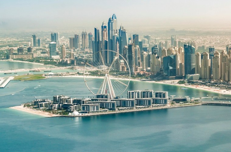 Ain Dubai has its first pod fitted