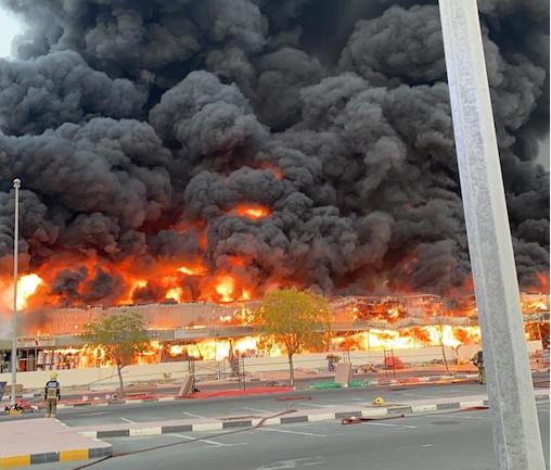 Huge blaze takes out Ajman market