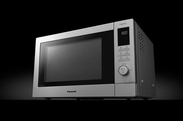 Panasonic takes home cooking to new level with the launch of the NN-CD87 Healthy Air Frying Microwave Oven