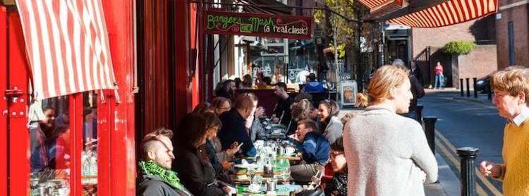 Metro Café terrace Dublin