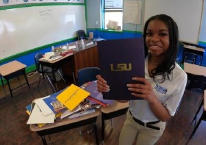 Making History! 18 Year Old Jada Brown Gets Accepted Into 141 Colleges; Awarded $5Million In Scholarship