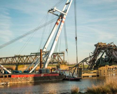 duc-marine-group-damaged-bridge-7