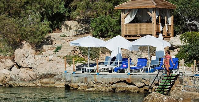 Popüler Balayı Destinasyonları Merit Cystral Cove Hotel