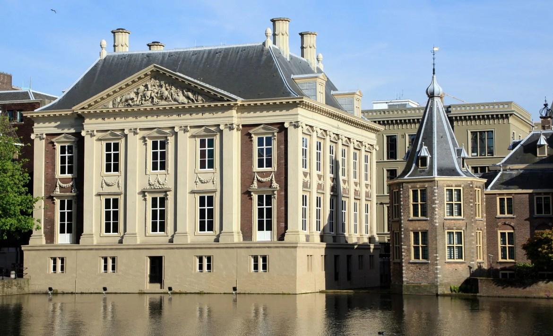 Domme ophef en vals historisch besef over het Mauritshuis