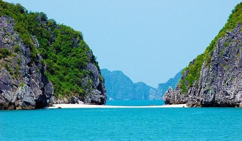 Du lịch Tết dương Vịnh Lan Hạ ở Cát Bà, Hải Phòng