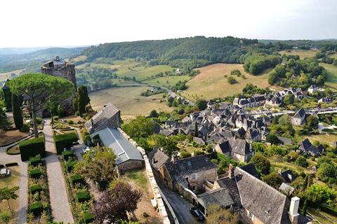 Làng Turenne, Corrèze