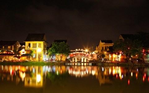 Top 10 điểm du lịch hấp dẫn nhất Việt Nam