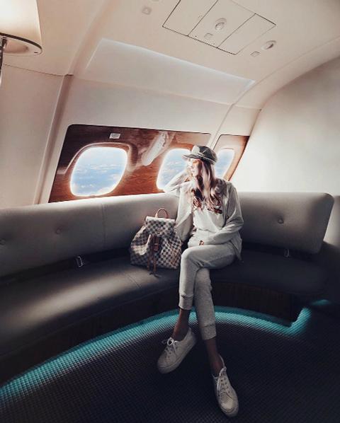 Nàng tiểu thư con nhà giàu Singapore đi du lịch