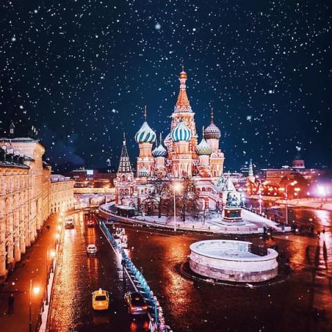 Moscow hoa lệ trong ánh đèn hoa đăng đẹp như truyện cổ tích
