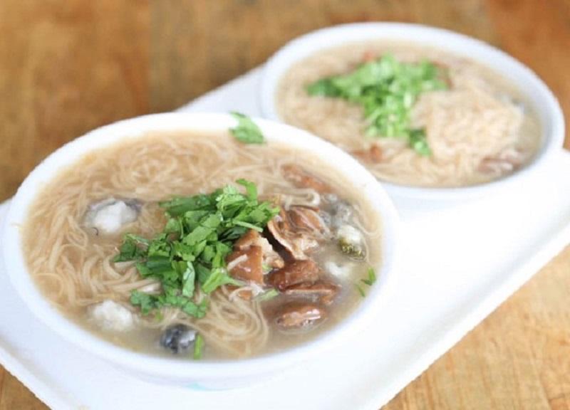 Tô mỳ hàu Đài Loan trông hấp dẫn làm sao