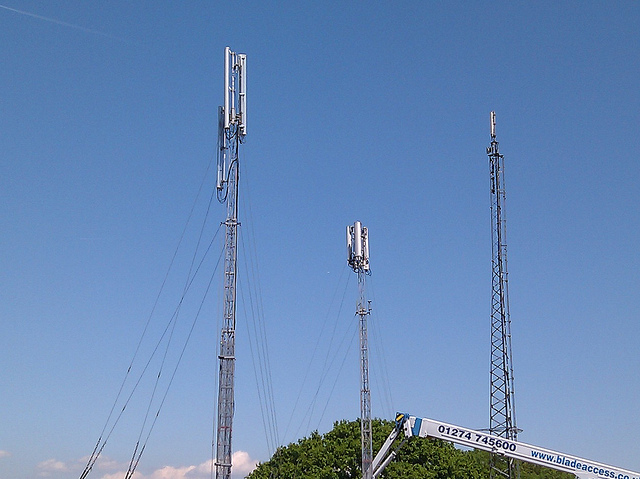 Mobile masts - Photo by fsse8info
