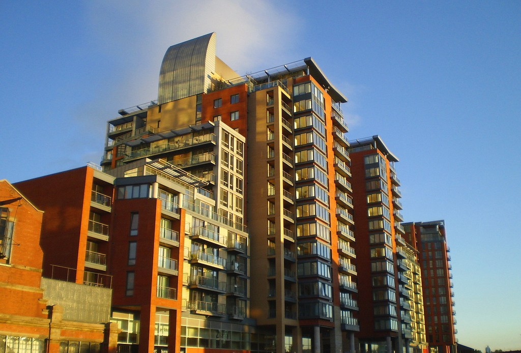 Why Online Mortgage Calculators Can Save You Time (And Money) - Image Of Left Bank Apartments Manchester