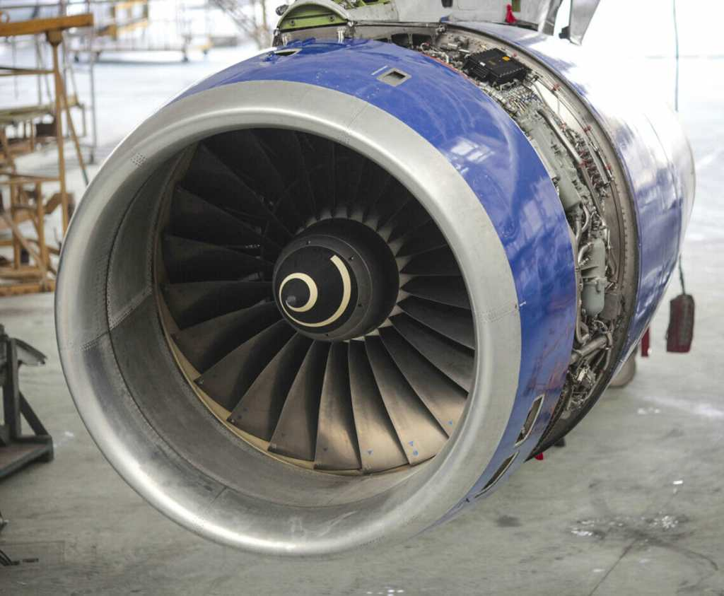 Turbine engine Rolls&Royce of Boeing aircraft with removed cowl panel