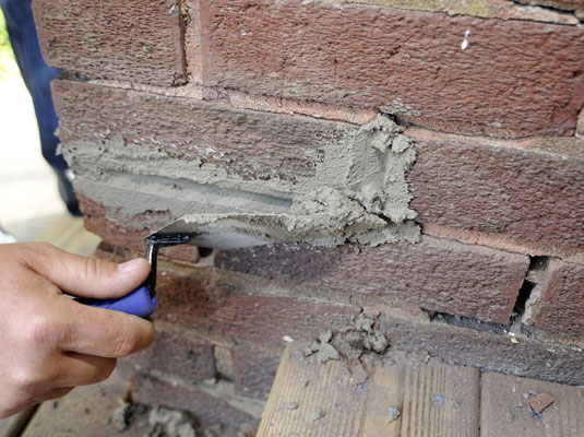 How To Patch Mortar On Brick Walls