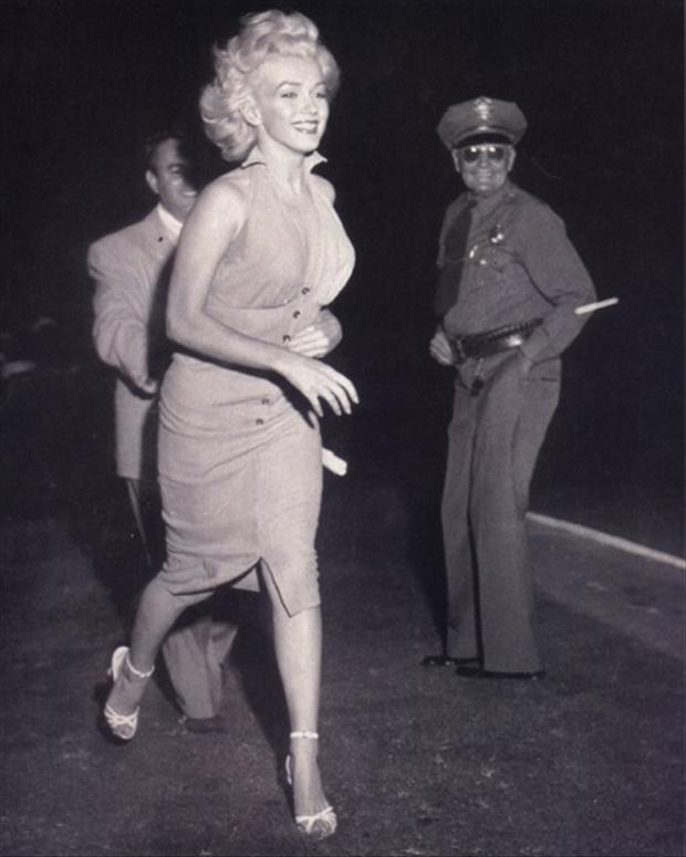 Image result for marilyn monroe jogging