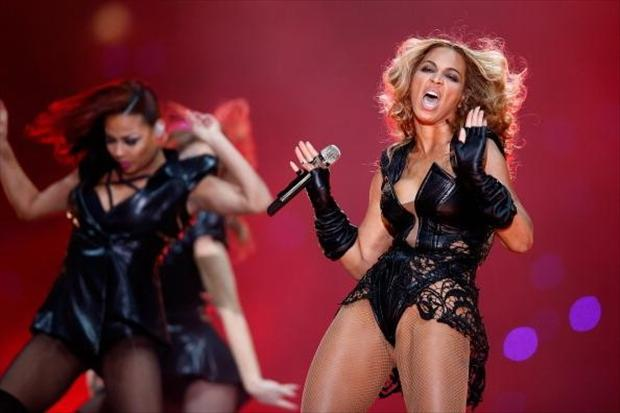 funny beyonce pictures at the super bowl