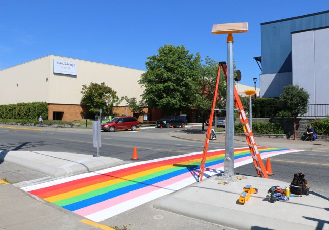 Rainbow crosswalk on James Street during installation, 17 July 2018 (photo by DuncanTaxpayers.ca)