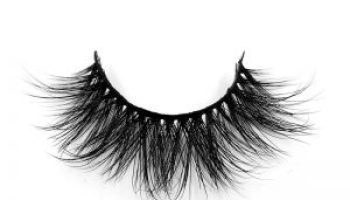 Method Of Ensuring That The Eyelashes Are Not Damaged
