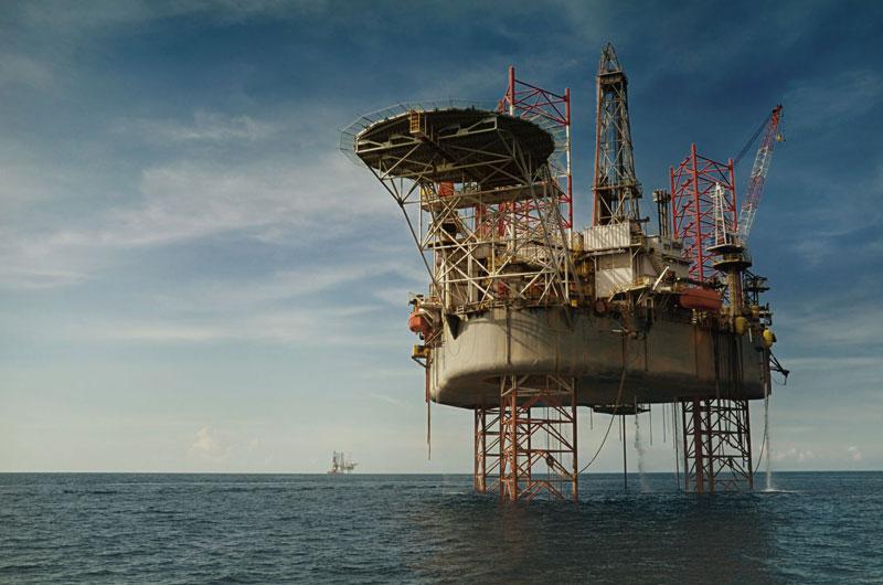Pembersihan Rongsokan Anjungan Migas di Laut Butuh Biaya Hingga Rp13 Triliun