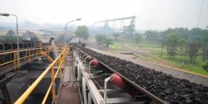 Terminal pengangkutan batubara PT Adaro Energy Tbk di Kelanis, Kalimantan Tengah.