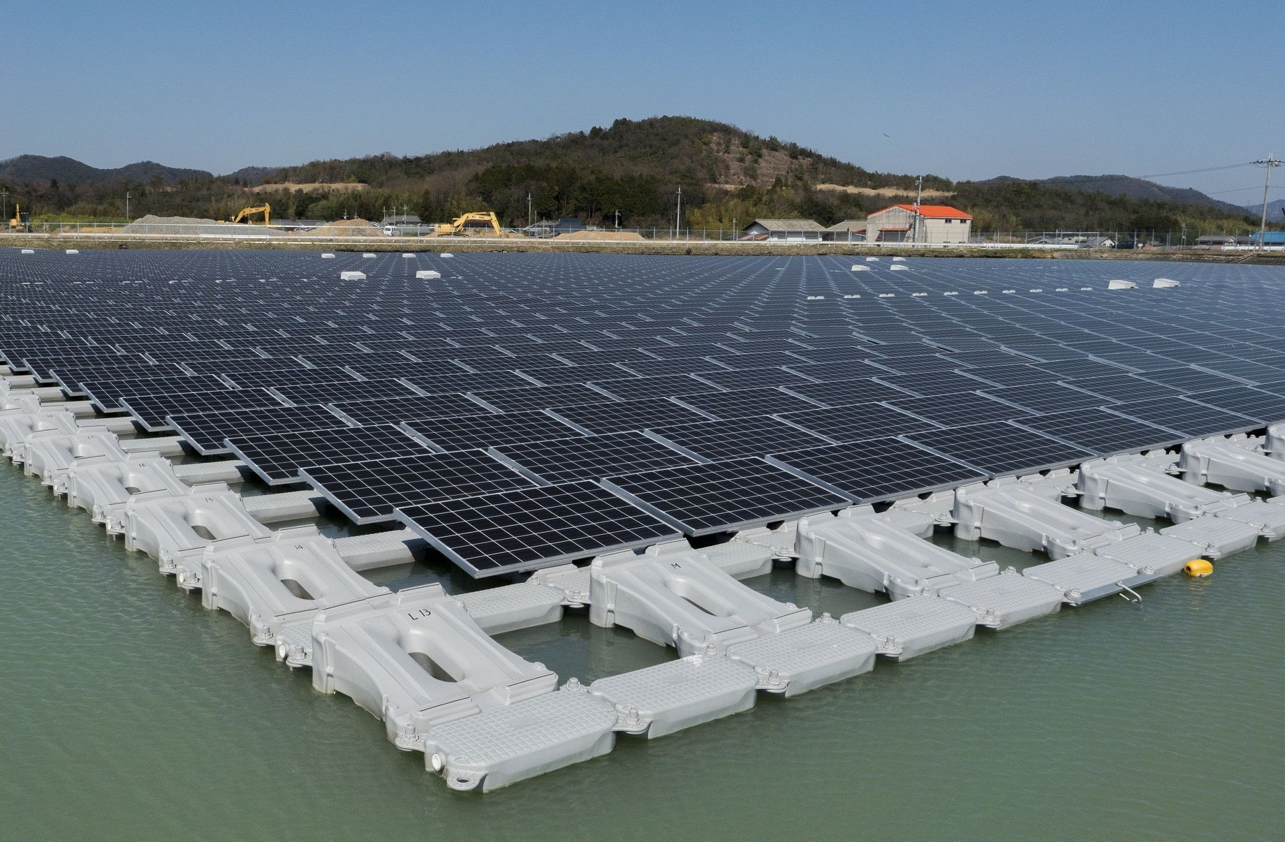 28 Thousand MW Potential, The Price of Floating PLTS Electricity can be US$ 3.7 Cents per kWh
