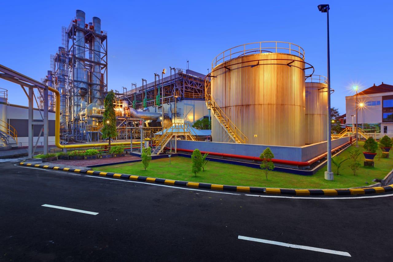 Gandeng Dewata Energi Bersih, PLN akan Bangun Terminal LNG di Bali
