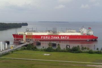 Badak LNG Tuntaskan Gassing Up and Cooling Down FSRU Jawa Satu