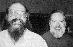 Ken Thompson (kiri) with Dennis Ritchie (kanan)