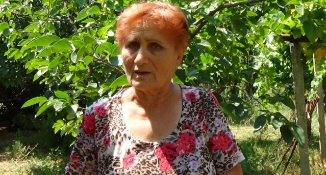 Vardtiter Sargsyan, en az iki ayda bir bahçesini sulamak için yeterli suya sahip olmadığını söyledi
