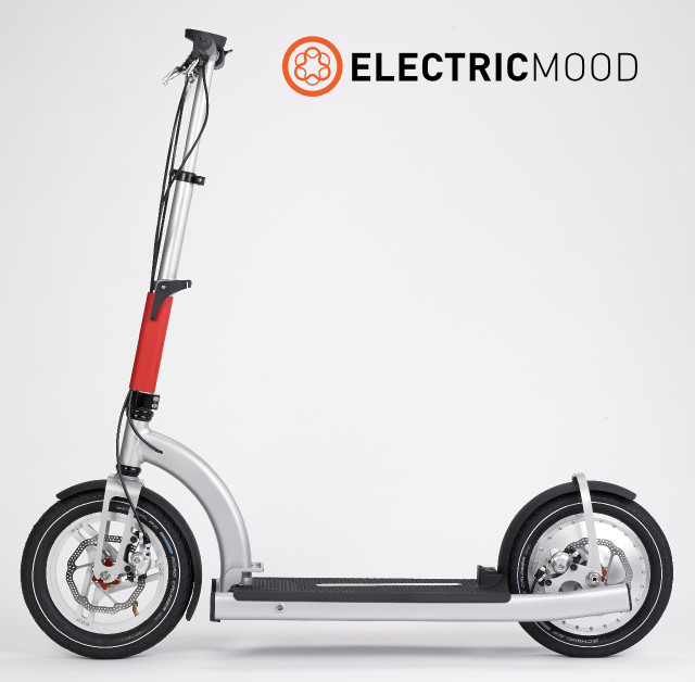 20150210153644-ELECTRICMOOD_with_brand