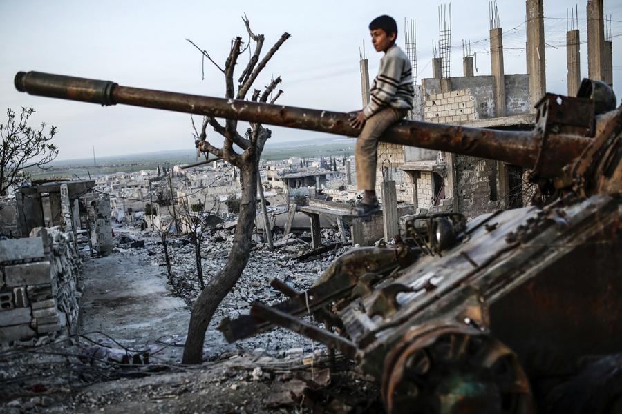 Yasin Akgül'ün objektifinden Kobane. (AFP/Getty Images)