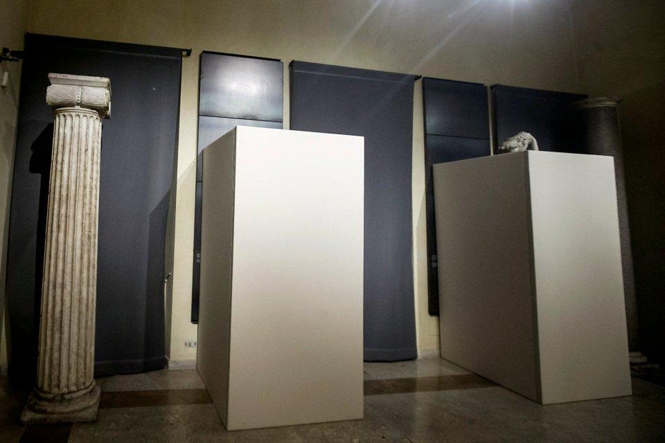 Capitoline Müzesi'ndeki çıplak heykellere İran makyajı bu şekilde yapıldı. Göz görmeyince gönül katlanır demişler.