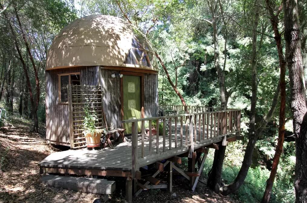 mush-cabin