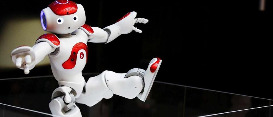 robotA-REUTERS-THOMAS-PETER-FILE-PHOTO