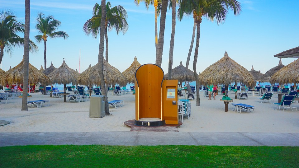 sun-safety-by-using-spray-tan-booth-technology