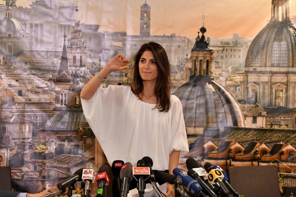 Roma'nın ilk kadın Belediye Başkanı Virginia Raggi.