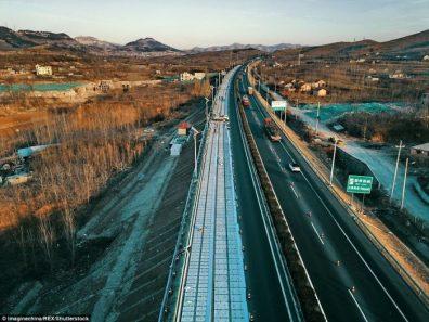 5solar-china-freaking-roadway4