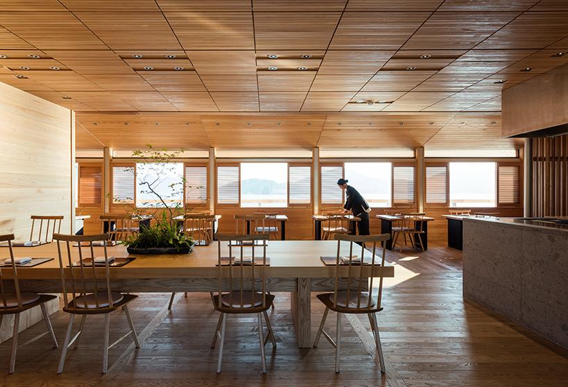 guntu-hotel-floating-seto-inland-sea-japan-designboom-03