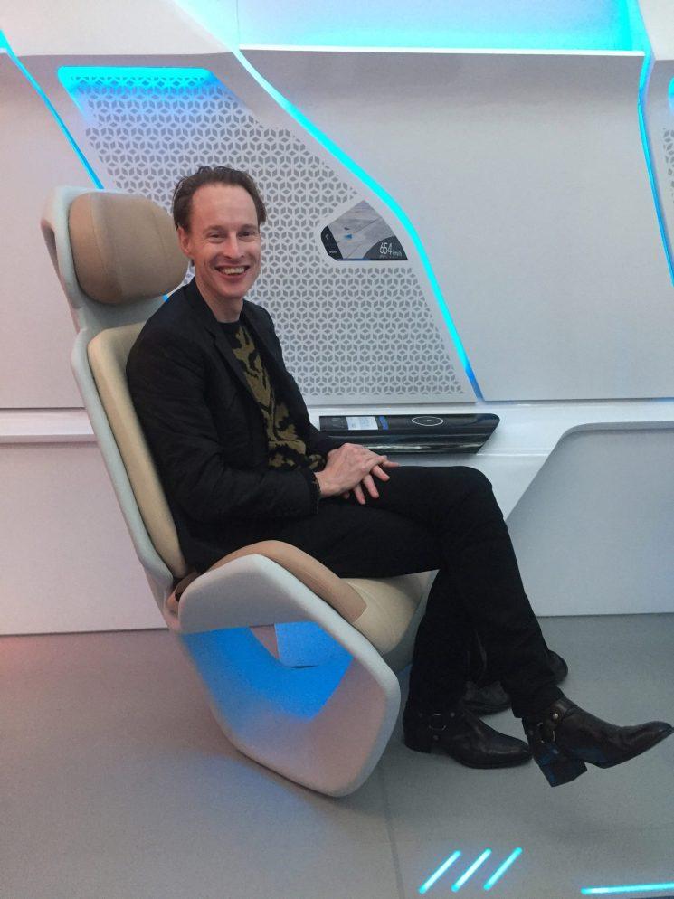 virgin-hyperloop-pod-prototype-design_dezeen_2364_col_0-1704x2272