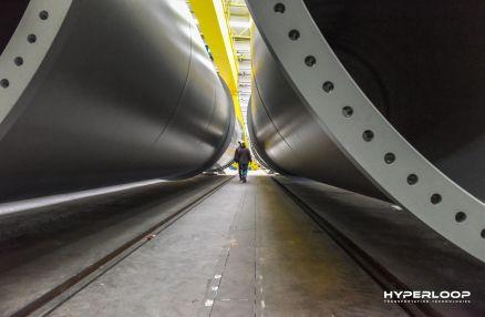 HyperloopTT_Tube_3