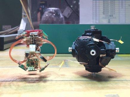 self-solving-rubiks-cube-robot-designboom-5