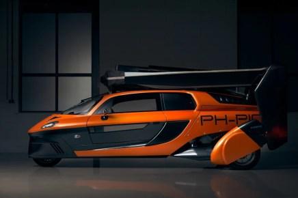 pal-v-pioneer-flying-car-21