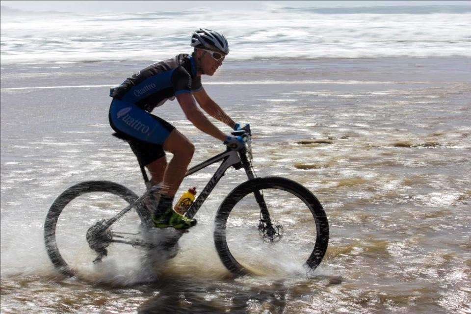 Kwa-Zulu Natal rider and Quattro star Tyron Bird had to settle for third place overall after suffering a puncture and losing out on the end sprint at the Scottburgh MTB Race, presented by Sappi, on Sunday.